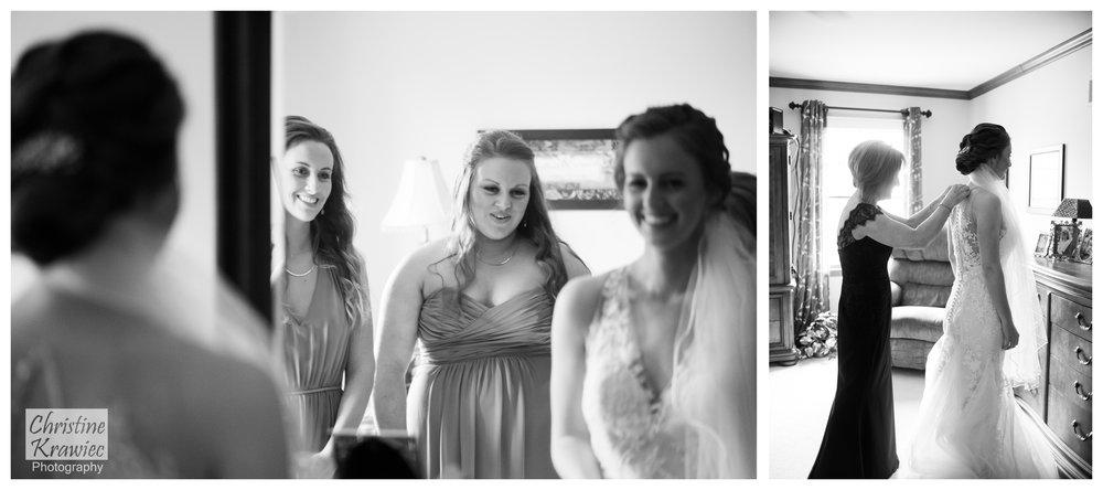 7 bride-getting-ready-sisters.jpg