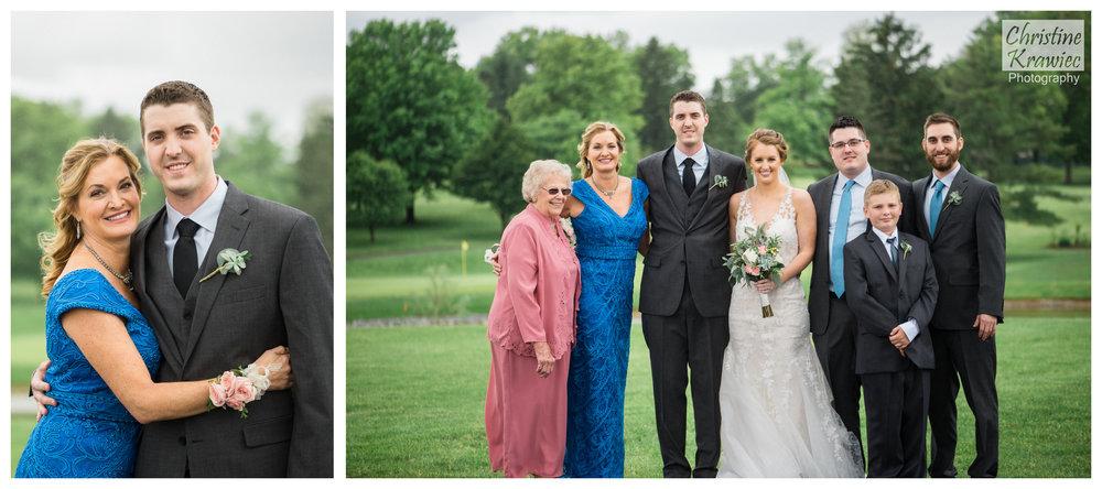 31 groom-and-family.jpg