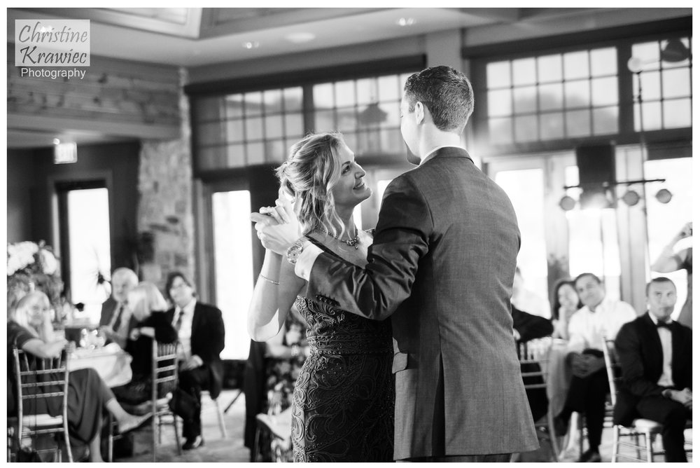 55 groom-and-mother-dance.jpg