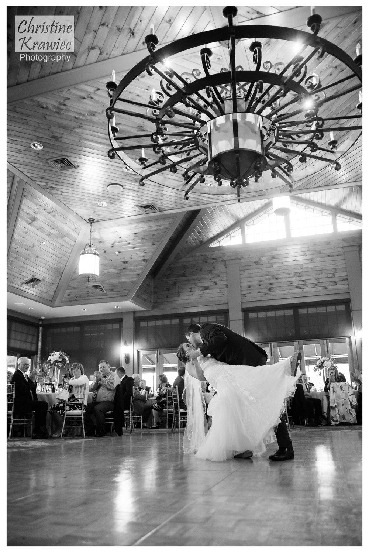 53 bride-and-groom-first-dance-dip.jpg