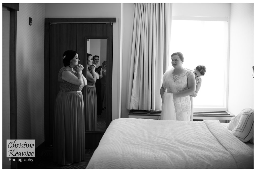 4 - bride-getting-ready-voorhees-hotel.jpg