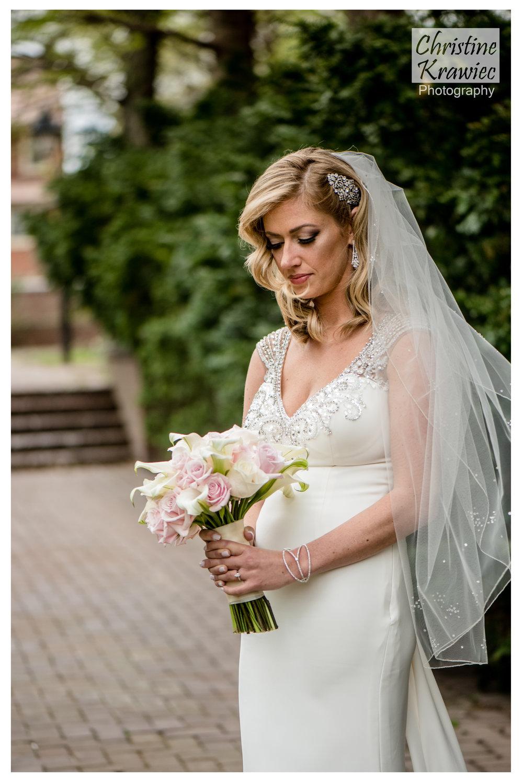 10 - rose-garden-philadelphia-bride.jpg