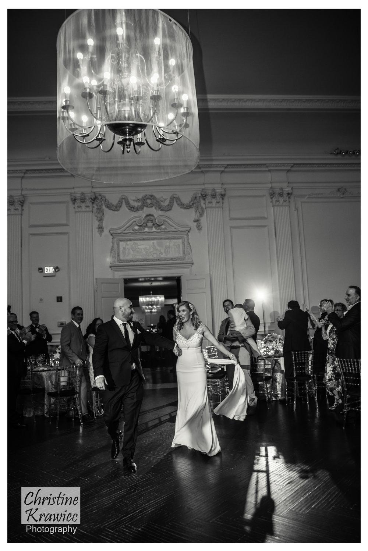 25 - elegant-wedding-philadelphia-chandelier.jpg