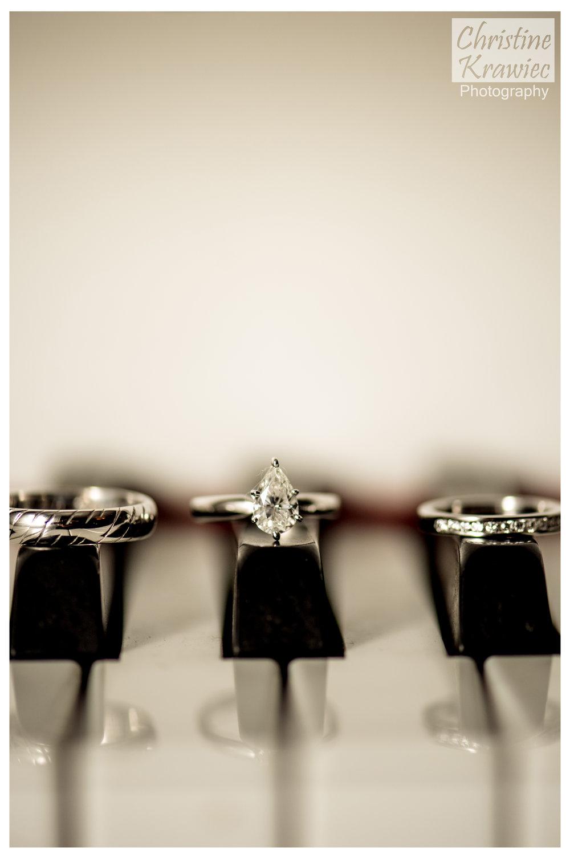 32 - cescaphe-piano-wedding-rings-downtown-club.jpg