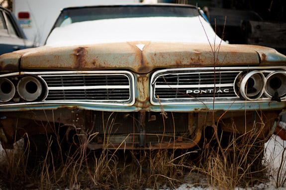 rusty car front