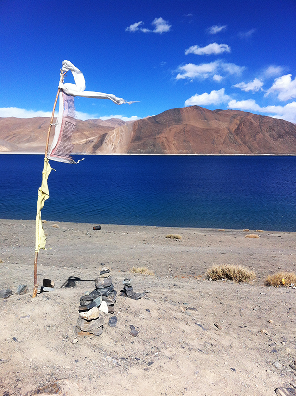 Rock-Stacks-@-Pangong-Lake.png