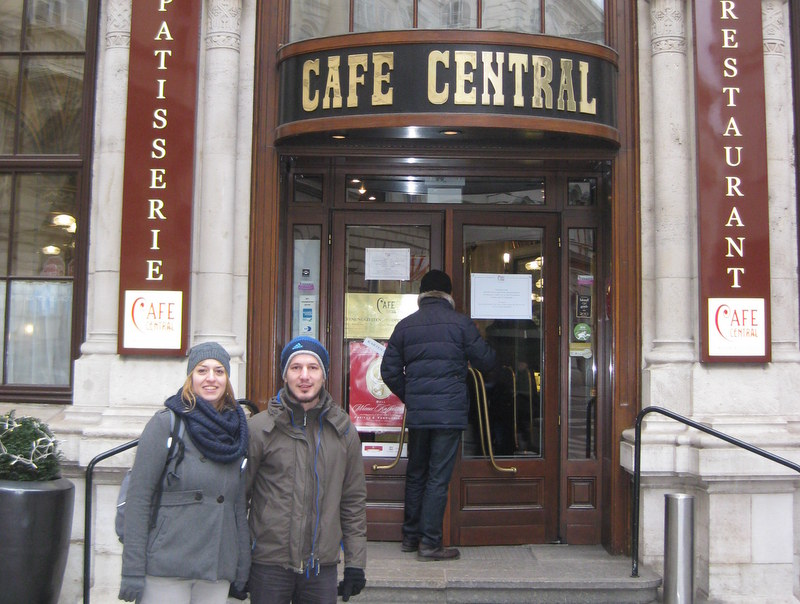 Vienna Greeters visitors outside the famous Café Central