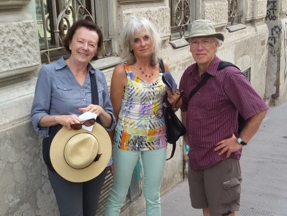 A Vienna Greeters volunteer and her guests on a Free City Tour of Vienna