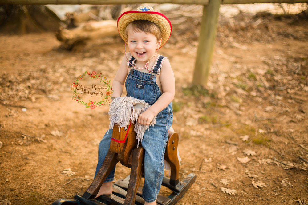 Grayson Cowboy Photos - Nashville family Photographer - Chelsea Meadows Photography (29)_edited-2.jpg