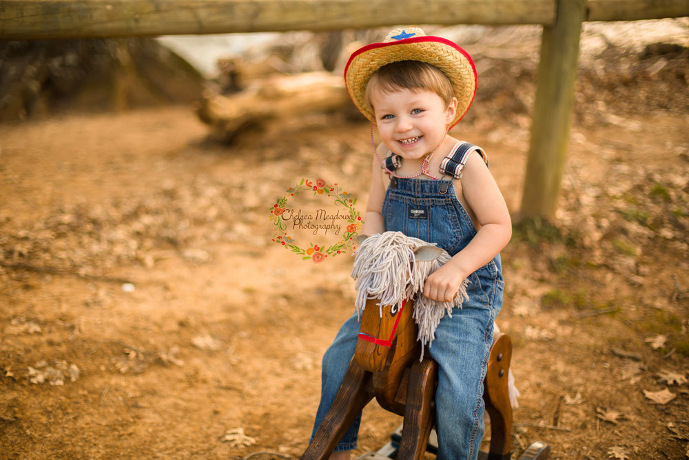 Grayson Cowboy Photos - Nashville family Photographer - Chelsea Meadows Photography (25)_edited-2.jpg