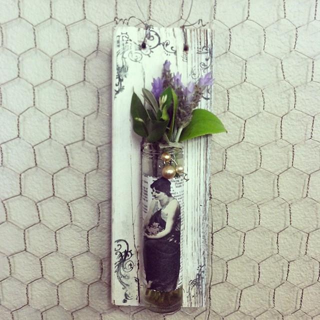 original wall vase craft.jpg