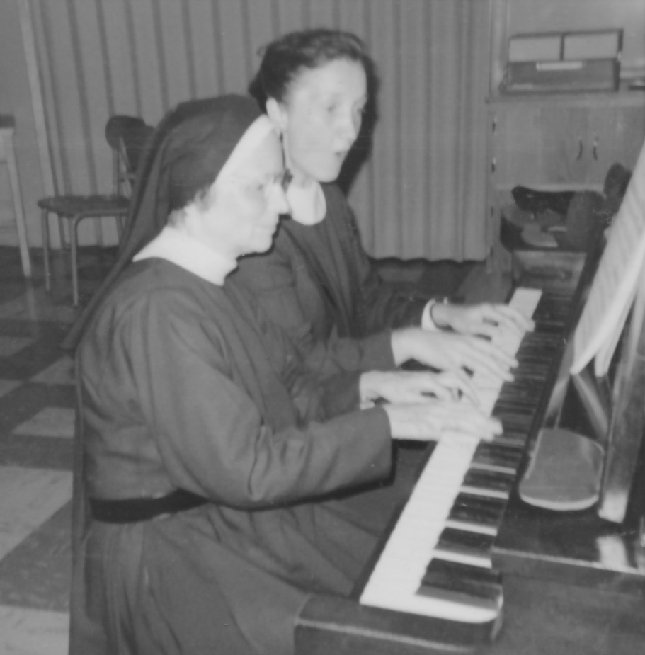 Sisters Mary Roman, Mercedes