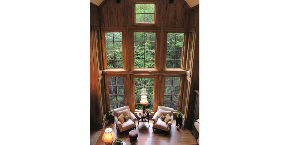 Lake-Toxaway-rustic-mountain-lodge-custom-vacation-vaulted-great-room-home_02.jpg