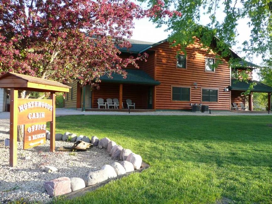 northwoods cabin.jpg