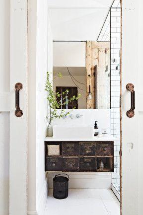 rusticbathroomdetails