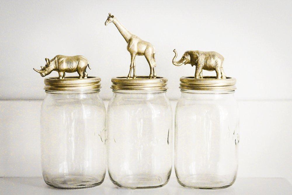 SMALL STORAGE - Mason Jars +Plastic Toy Animals + Hot Glue Gun + Spray Paint