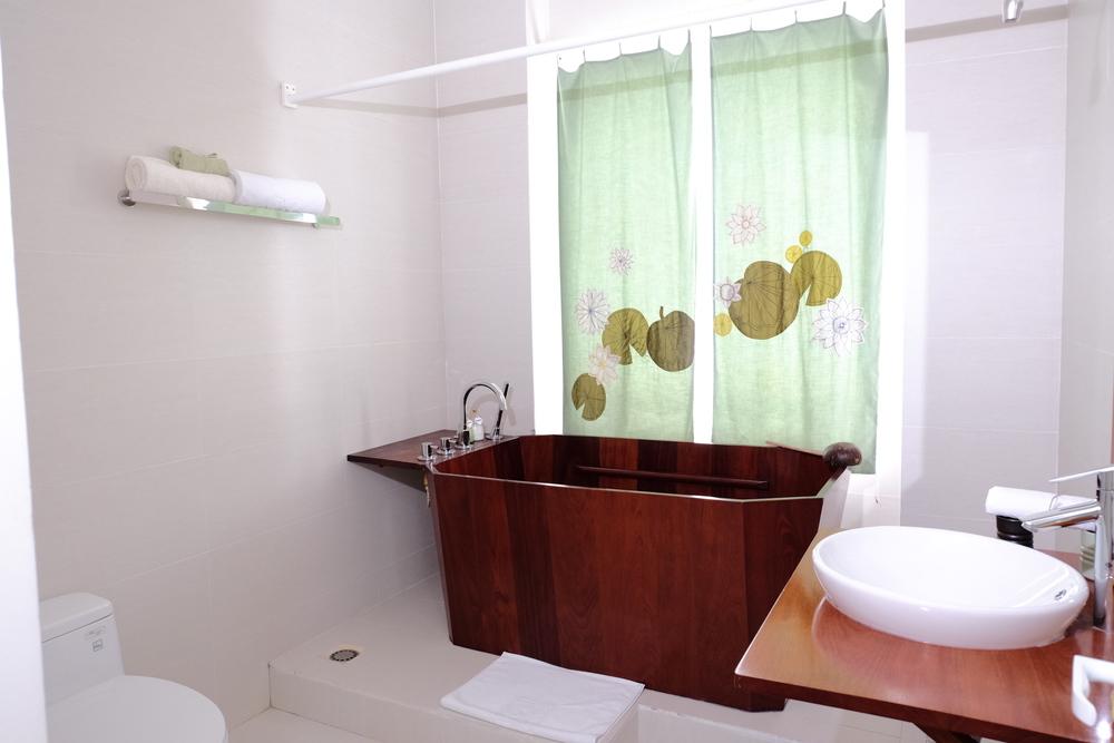 Phòng 4 - Lotus Green (4).JPG
