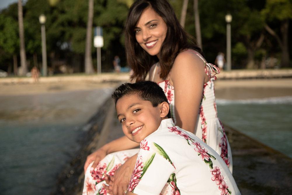 Waikiki Beach Family-3.jpg