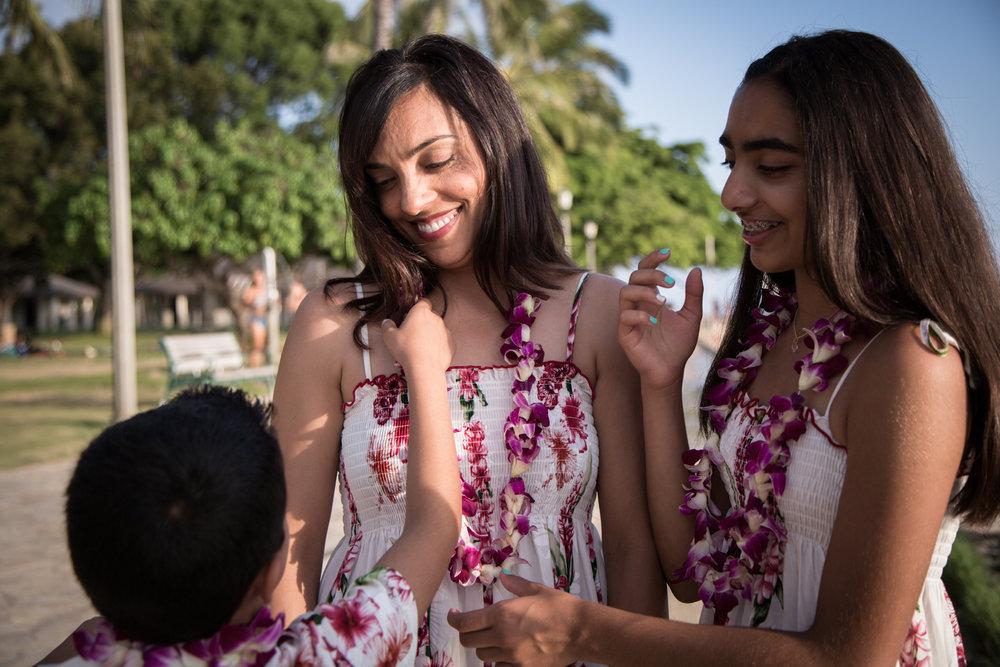 Waikiki Beach Family-5.jpg