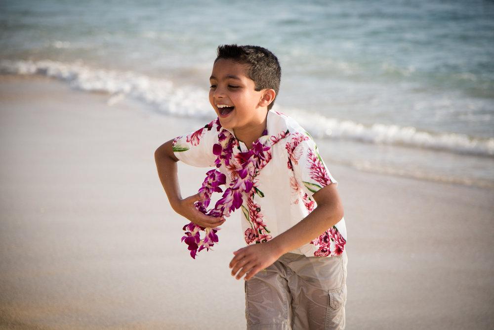 Waikiki Beach Family-18.jpg