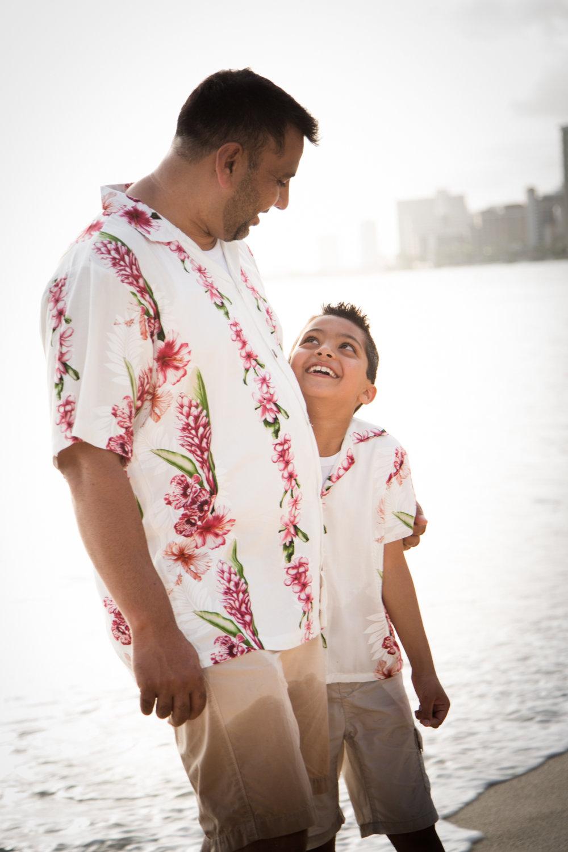 Waikiki Beach Family-19.jpg