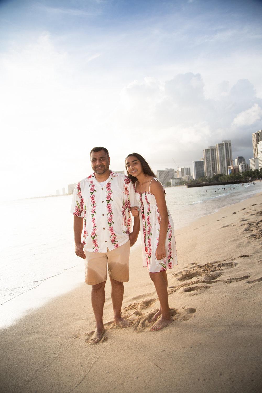 Waikiki Beach Family-20.jpg