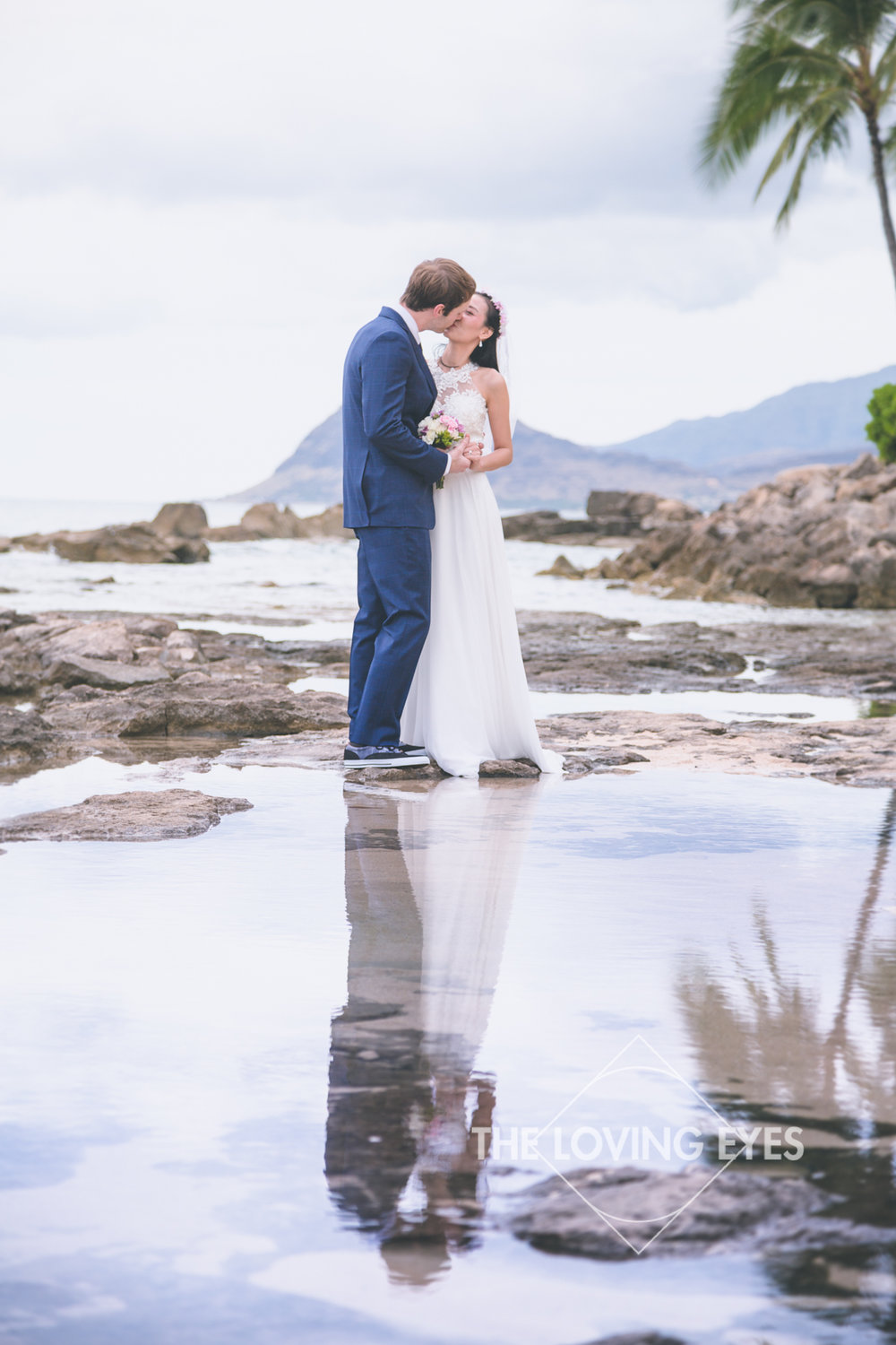 Bridal portrait at the lagoon near the Four Seasons Resort at Ko Olina