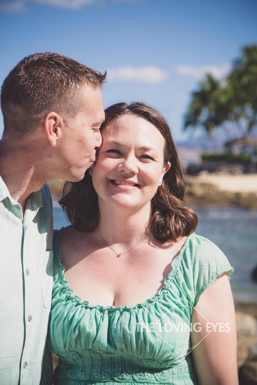 Couple portrait in Hawaii on the beach in Ko Olina