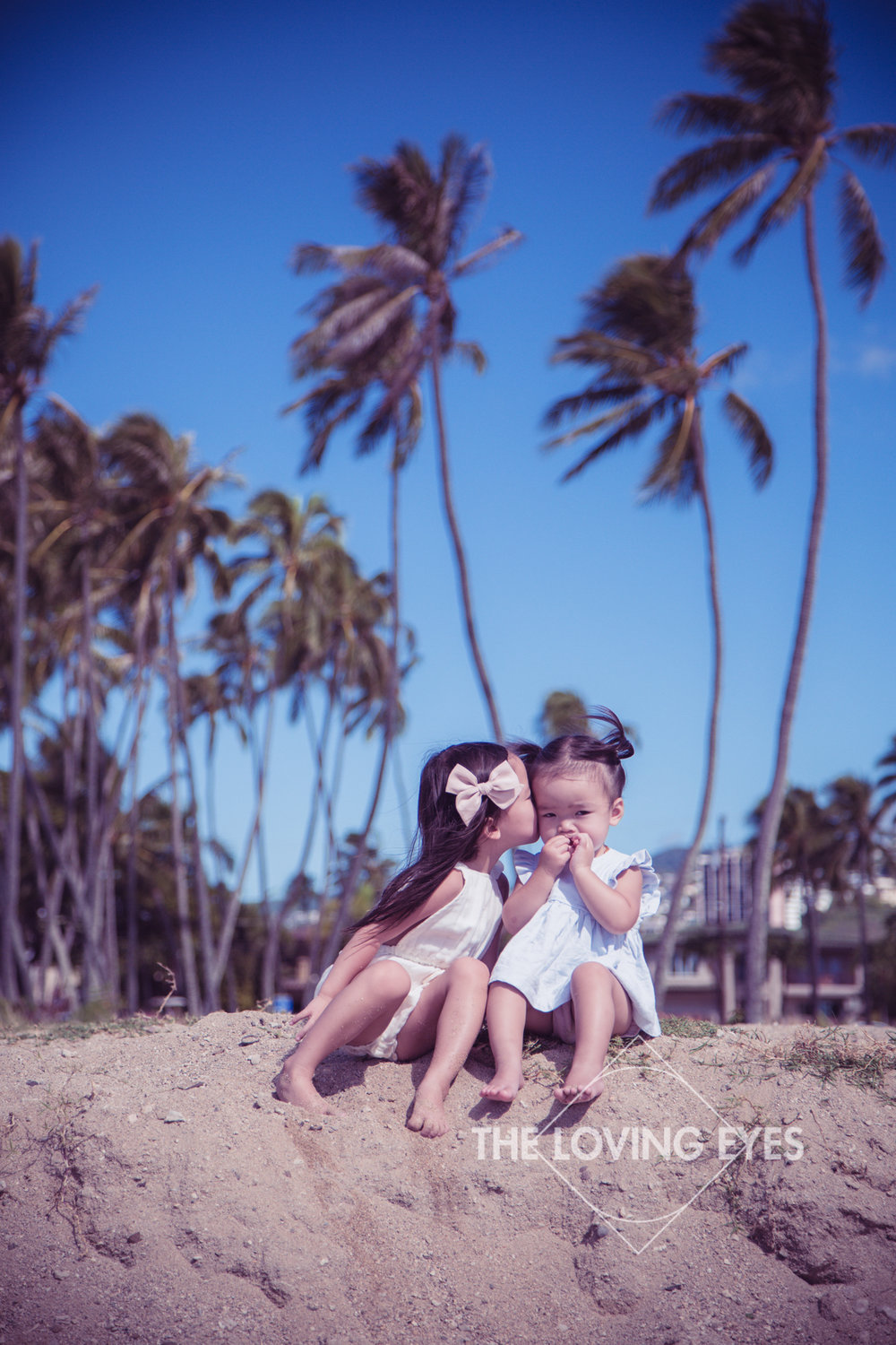 Children photography on the beach in Hawaii