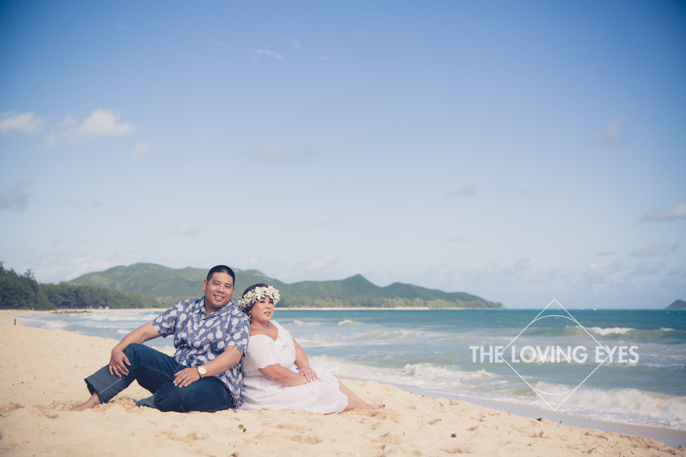 Engagement photo on the beach in Waimanalo in Hawaii