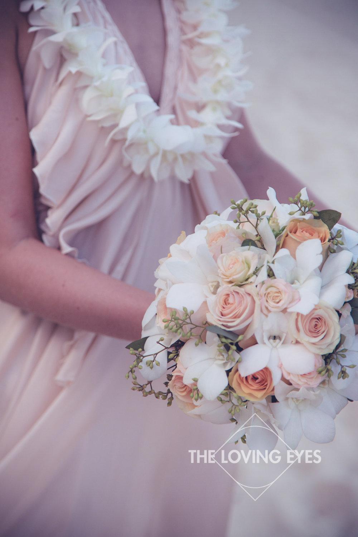 Bridal bouquet for a Hawaiian beach elopement
