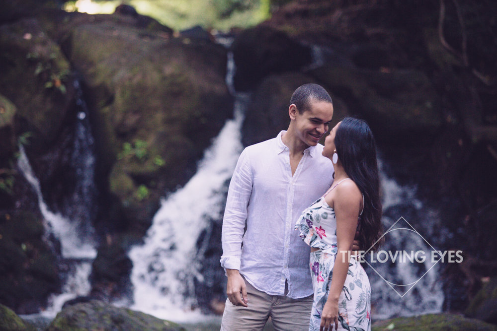 Engagement photos in a waterfall in Hawaii