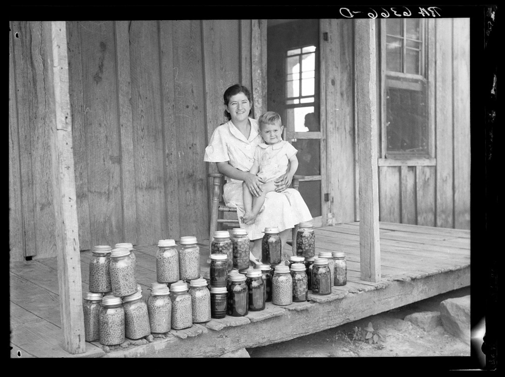 In 1937 the Farm Security Administration (FSA) was charged with working on the complex problem of farming and rural poverty. Self-sufficiency thus home food preservation were a part of the program. Batesville, Georgia. June 1936. Library of Congress, Prints and Photography Division, FSA/OWI Collection, #LC-USF34-006366-D.
