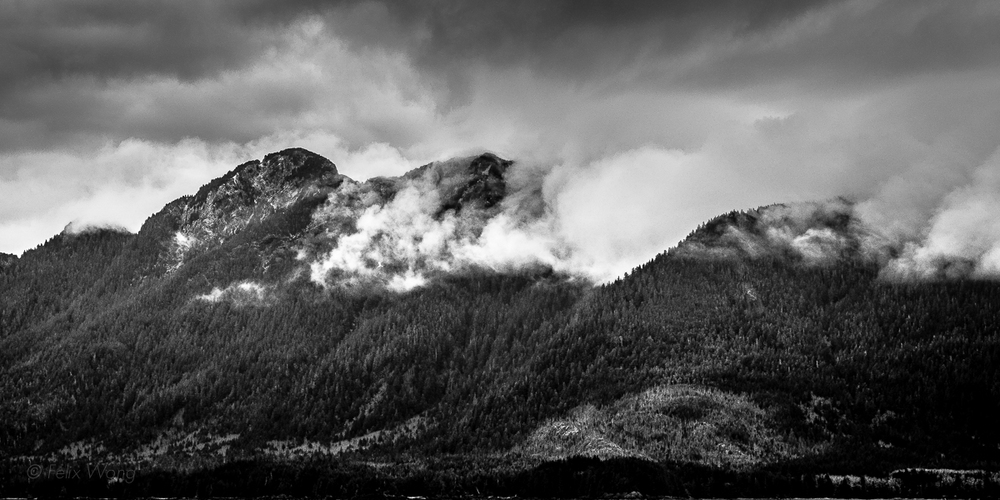 Mountain Puffs  Sony A7 with Leica Summicron-C 40/2   Ketchikan, AK   Felix Wong   ©   2015