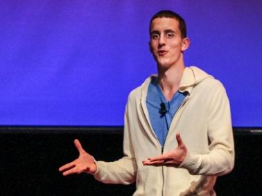 Komikern Kevin Breel i TED talks