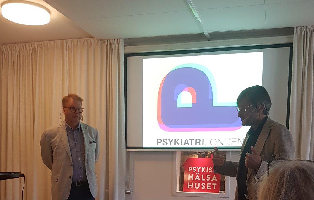 Riksdagsledamot Bengt Elisasson och överläkare Alexander Wilczek diskuterar hur stressrelaterad sjukdom kan förebyggas.