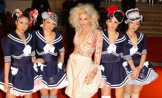 As a lover of all things azn, I was a big fan of the Harajuku girls. via