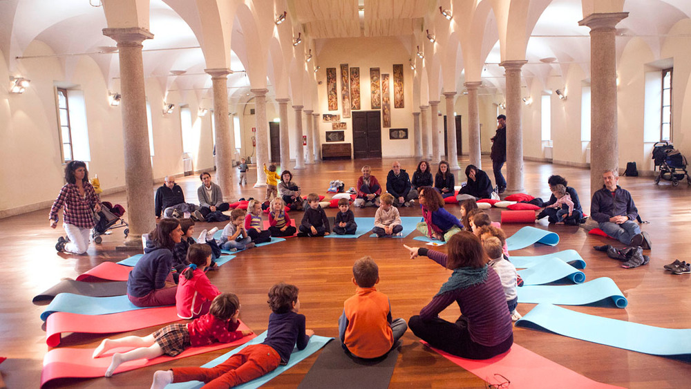 Save the parents - <i>I superpoteri dello yoga per andare bene a scuola</i>
