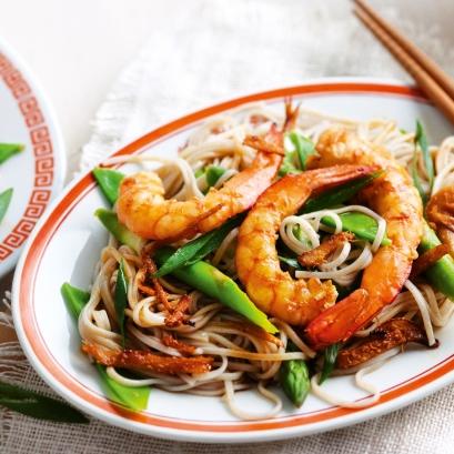 Ginger & prawn soba noodles