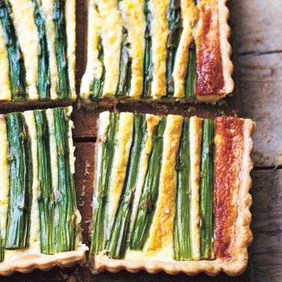 Asparagus and pecorino tart