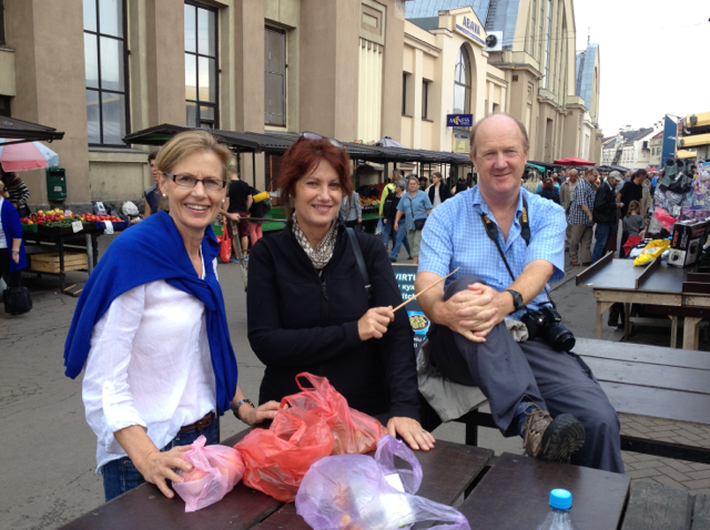 Lunch behind the market with buddies Judy and Dave