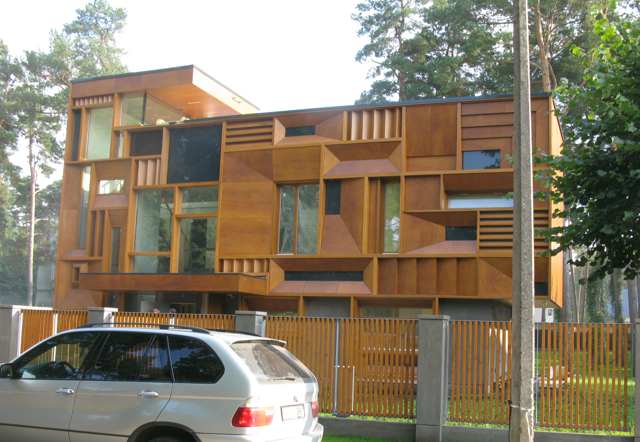 We were intrigued with the variety of large wooden houses