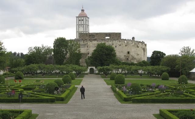 Schallaburg gardens