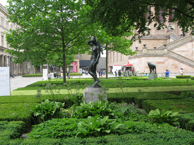 A green corner of the Museum Island