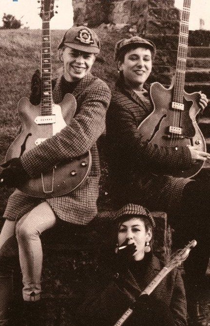 Thee Headcoatees with their 1964 Verithin Bass