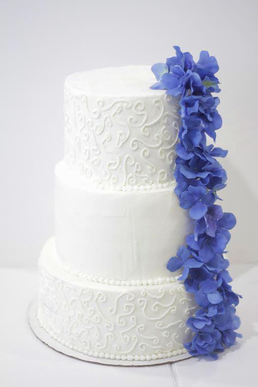 Blue White Cake 2.jpg