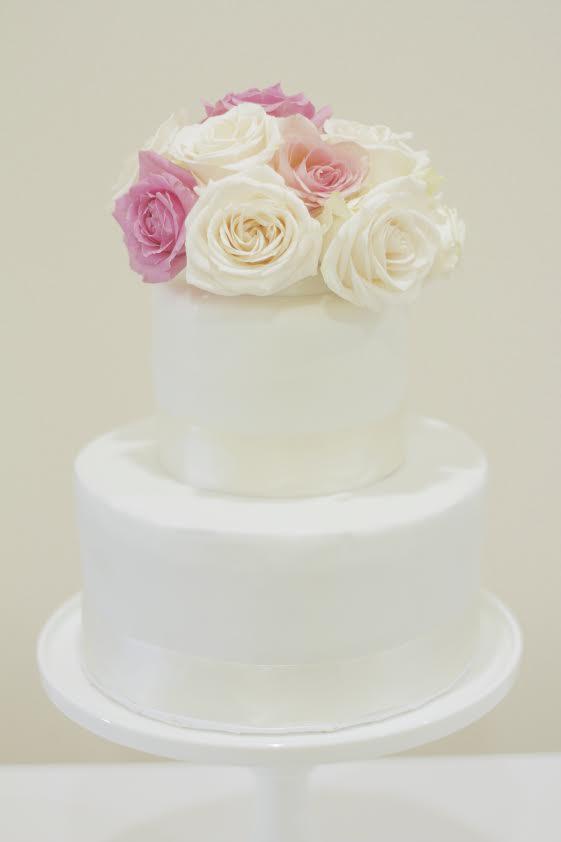 rose fondant cake.jpg