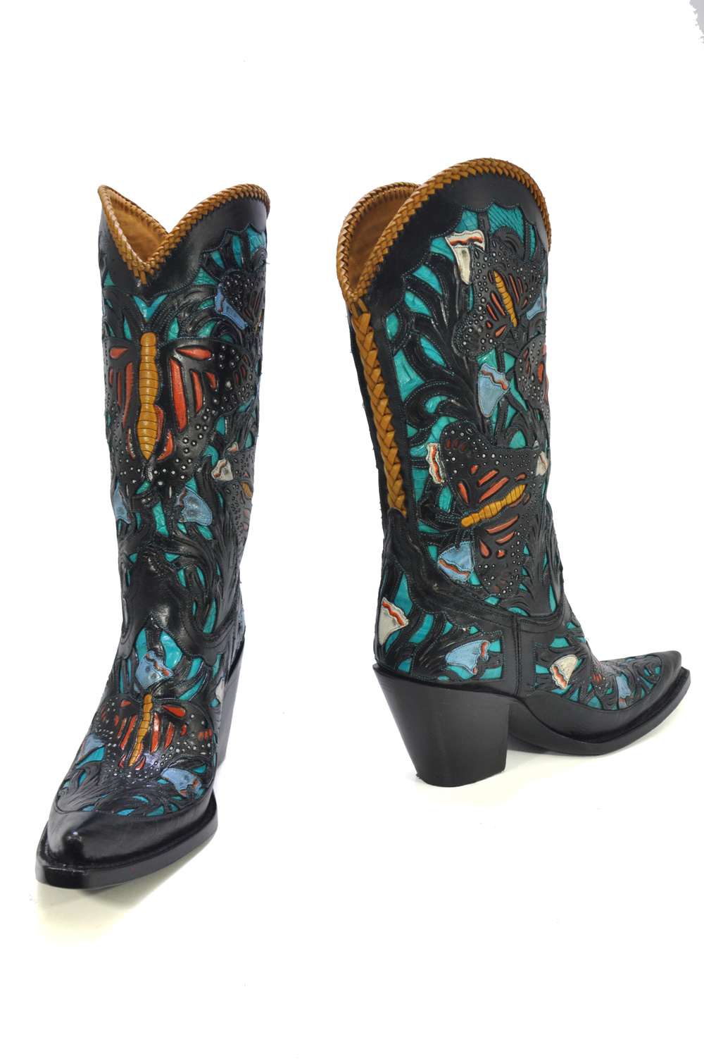 Caiman Monarch features hand tooling, cutouts, overlay, hand painting, braiding, and caiman belly underlay! This is a sexy full featured boot.