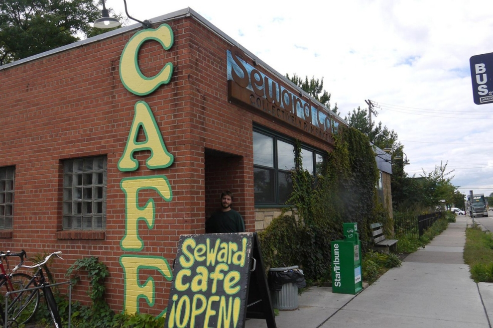 EWARD COMMUNITY CAFE IN MINNEAPOLIS IS THE COUNTRY'S OLDEST COOPERATIVELY RUN RESTAURANT. PHOTO CREDIT: SARAH JAFFE