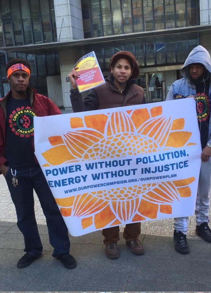 Cooperation Jackson members outside of EPA Region 4 headquarters on Delivering The our power Campaign's Clean Power Plan on the national day of action